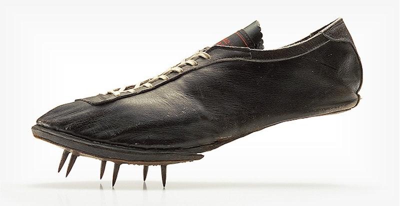 Mizuno 1928 running spike