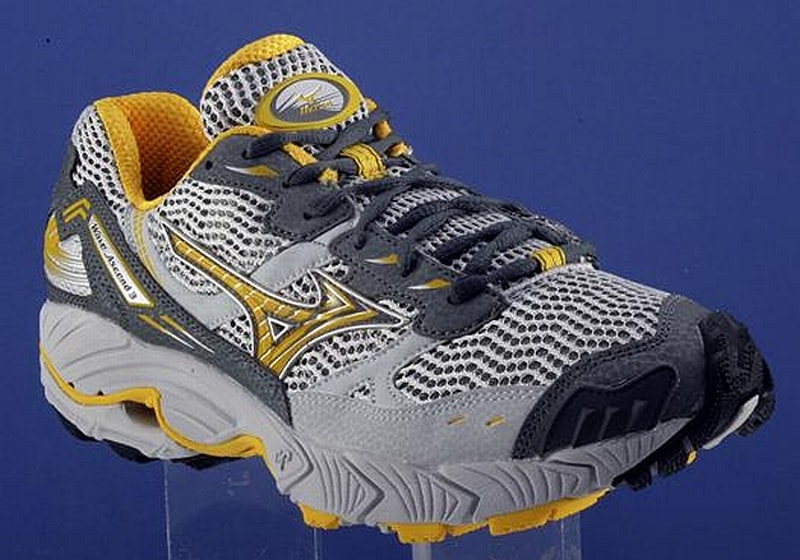 Mens Mizuno Wave Ascend 3
